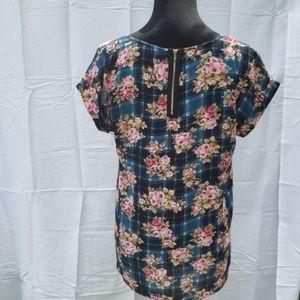 Pink Republic Zipper back blouse Large floral